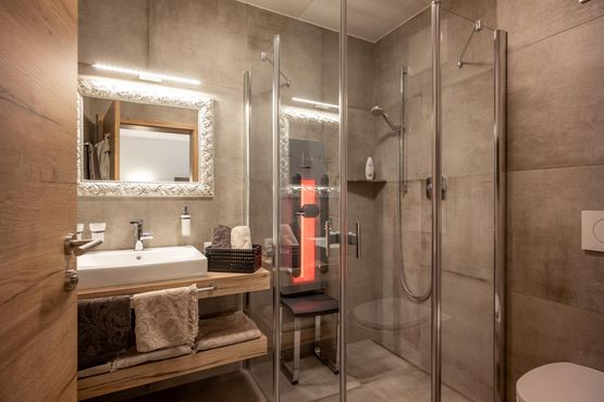 shower with infrared cabin APART deluxe Wilder Kaiser